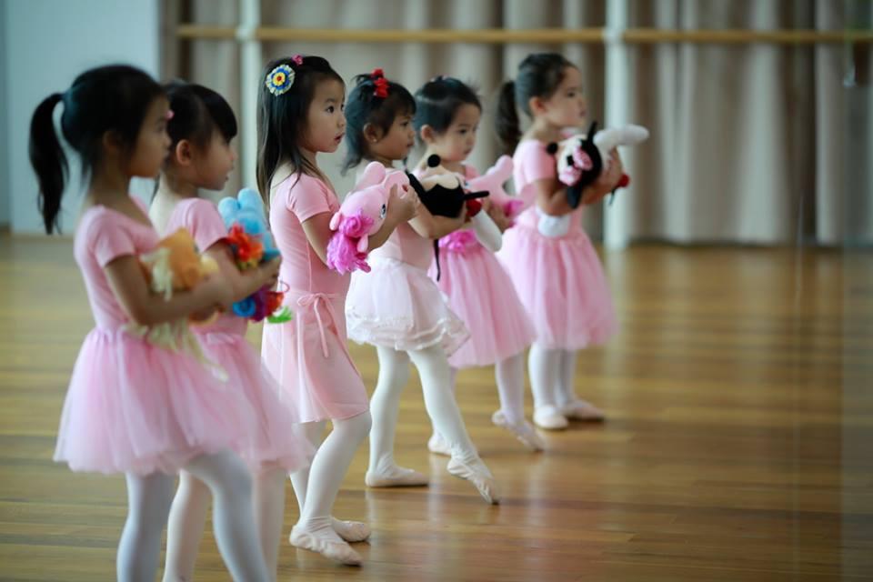 the-artists-dance-studio-ballet-adult-ballet-dance-class-street-jazz-12-bts-bkk1_1_orig