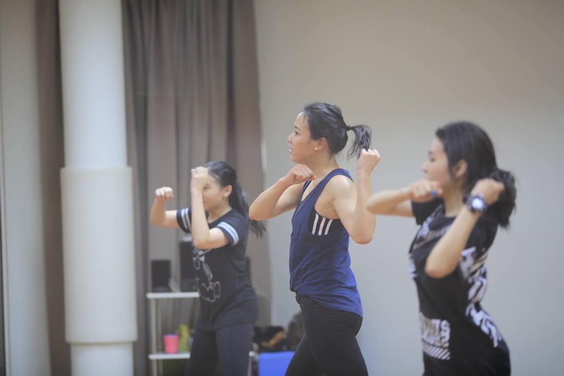 the-artists-dance-studio-ballet-adult-ballet-yoga-yoga-fly-workout-dance-bts-12-16_orig