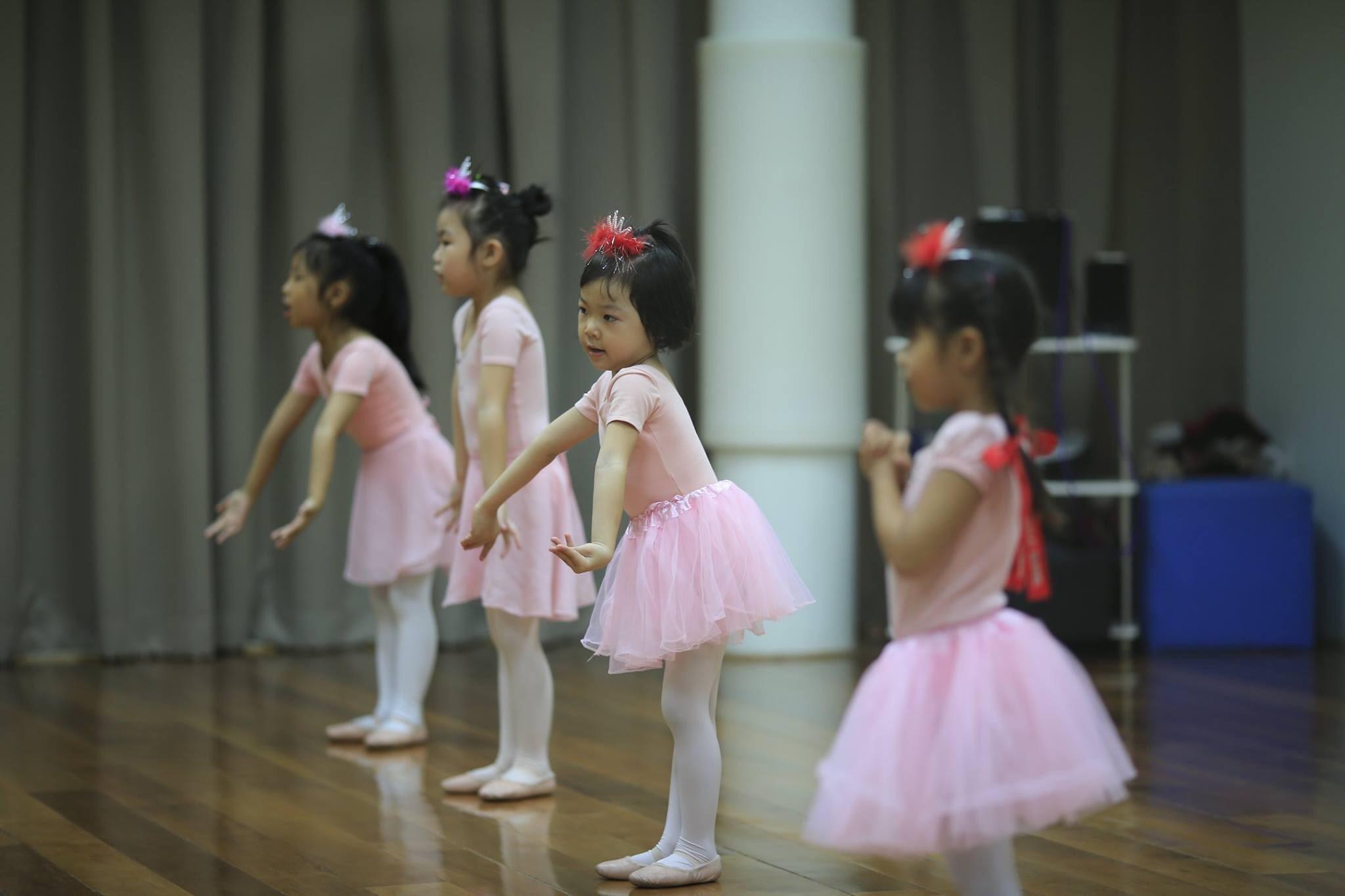 Ballet for kids บัลเล่ต์สำหรับเด็ก สามารถเรียนได้ตั้งแต่อายุ 3 ปีขึ้นไป